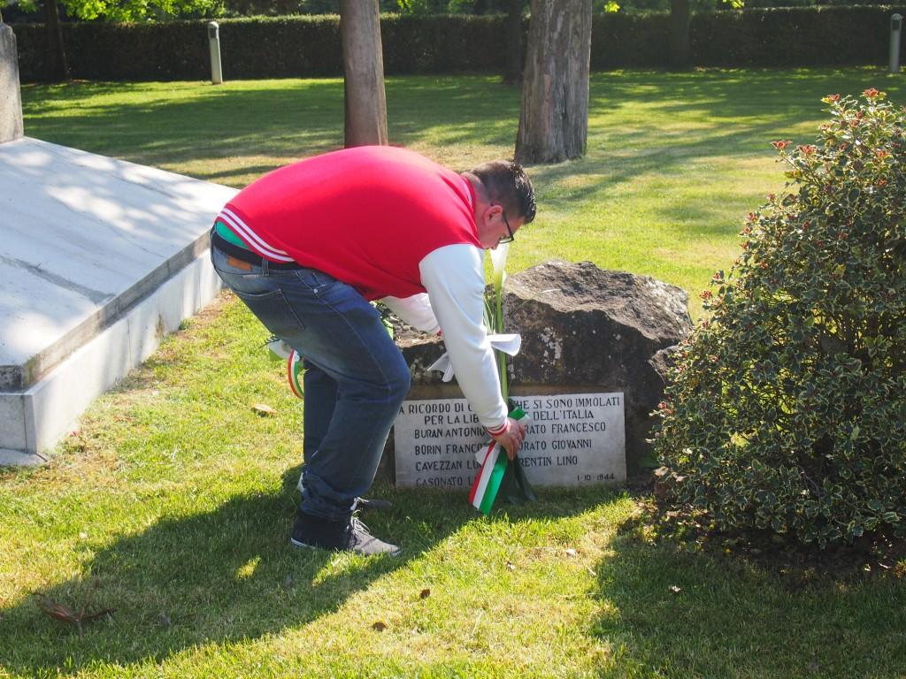 Deposizione dei fiori presso il Monumento di Cessalto